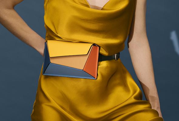 ARCHITECTURAL DESIGN 染上迷人色調的建築感手袋